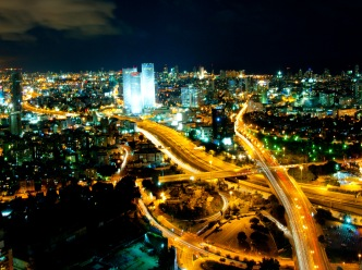 Tel_Aviv_Skyline_(night)_-_2.jpg